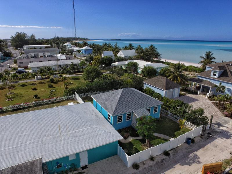 Hide 'n' Sea Island Vacation Home, holiday rental in Saint Georges Island