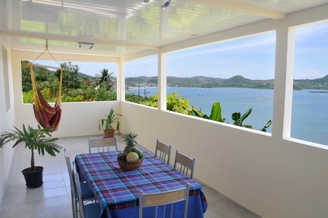 Très bel appartement avec vue mer panoramique, location de vacances à Le Marin