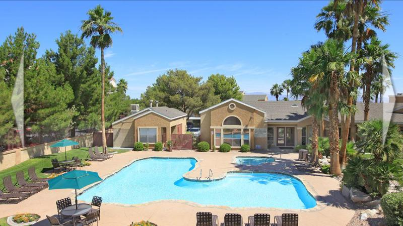 luxury home close to the strip fully equipped. gated community