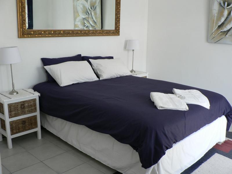 2 Luxurious Queen long bed, plenty of cupboards, tv, dvd, fan