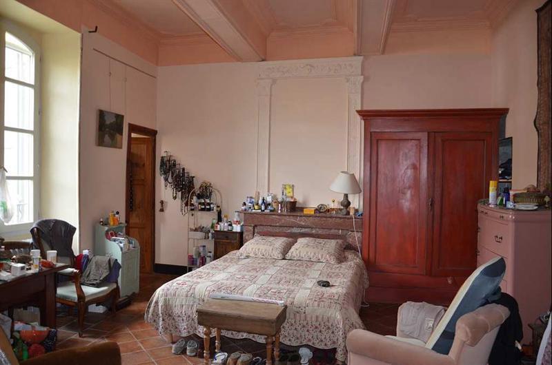 chambre à coucher 2, côté cour, au premier