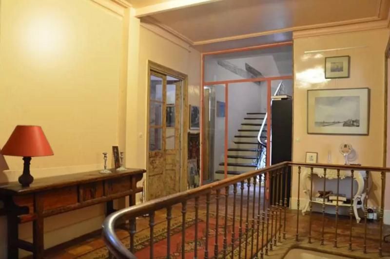 cage d'escalier, au premier