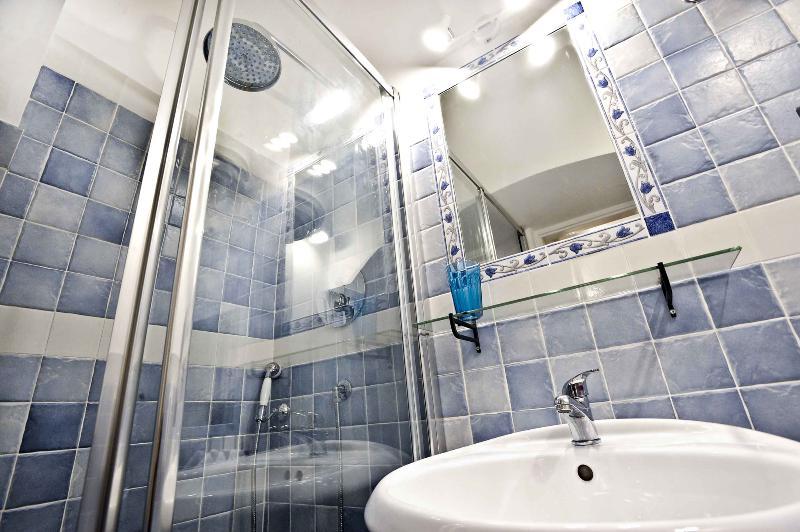 complete badkamer met douche