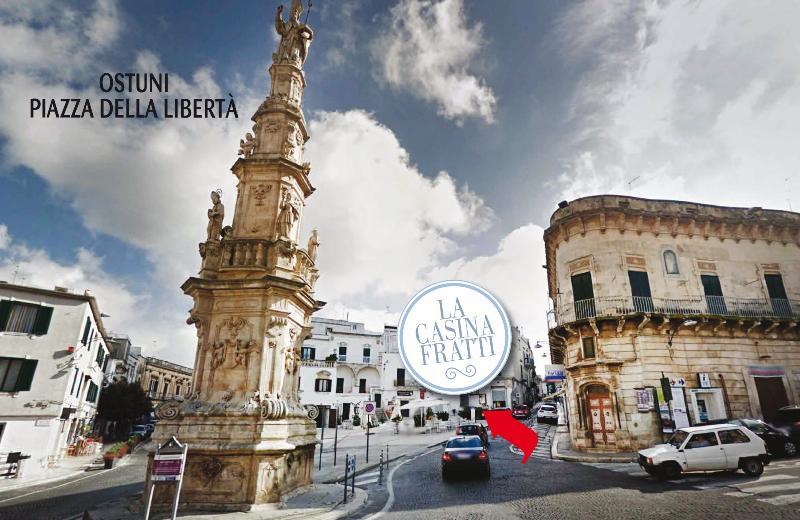 het appartement is 10 stappen van het centrale plein, het Piazza della Libertà.