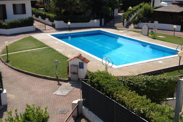 Villa per 10 persone con piscina, giardino a 1 ora da venezia, holiday rental in Caorle