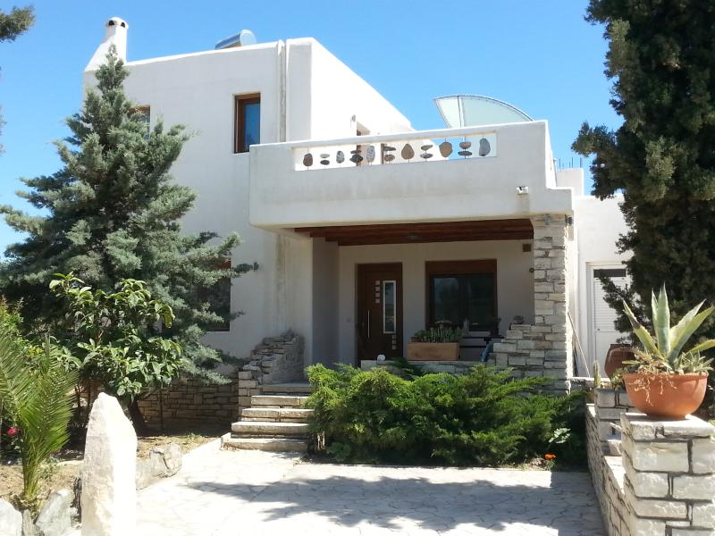 Villa Agapi, nice house for 2 -4 Pers.,pool, Wlan, TV Sat, Southcrete, holiday rental in Pitsidia