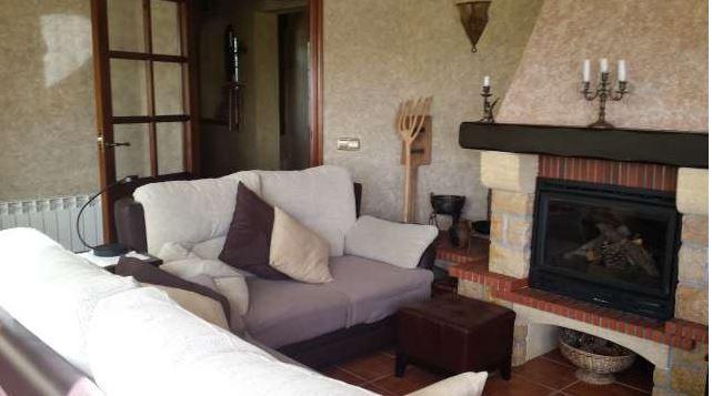 Casa con jardín y piscina privada, casa vacanza a Robledo de Chavela