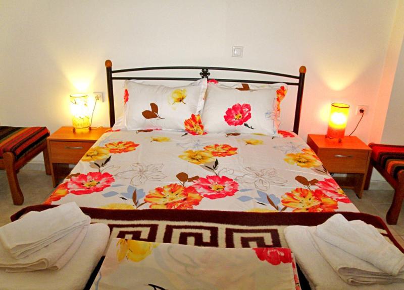 Friendly & comfy apartment at town center close to sea, alquiler de vacaciones en Ierapetra