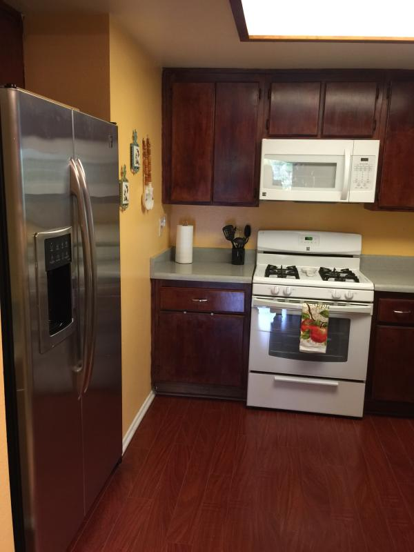 Fully equipped and  functional Kitchen including automatic dish washer