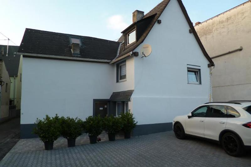 Vacation Apartment in Koblenz - 17954 sqft, spacious, parking and satellite TV available (# 1481) #1481