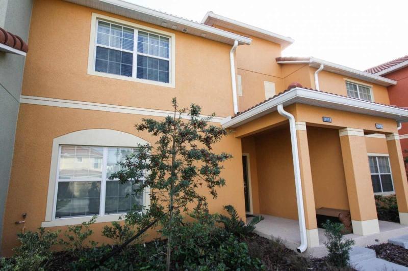 Apartment Facade / Fachada de la casa - ComprandoViajes