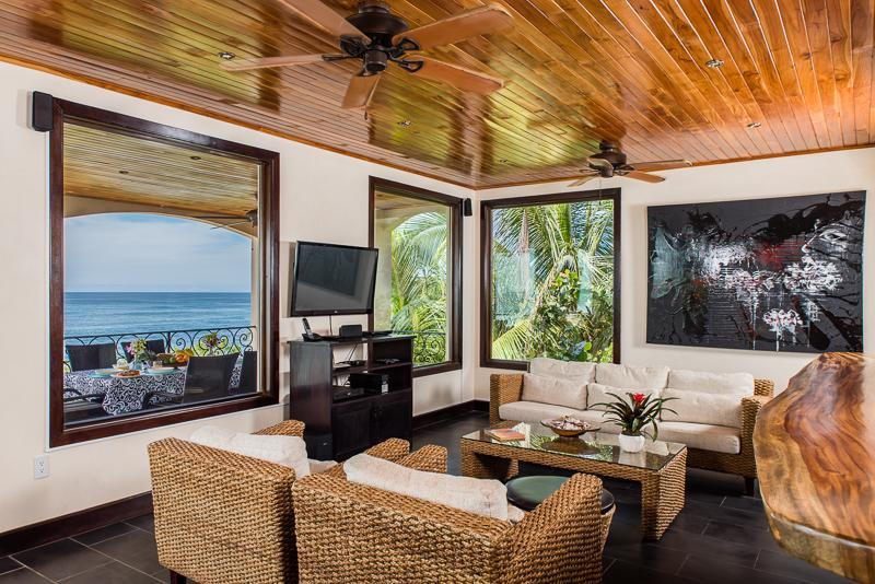 Ocean front TV Family room