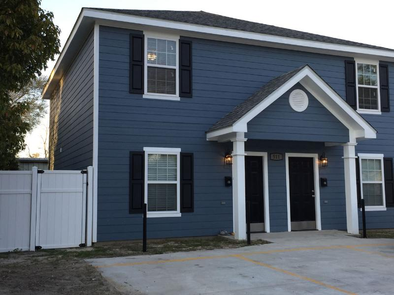 Beautiful brand new construction.  Parking is conveniently located directly in front of property
