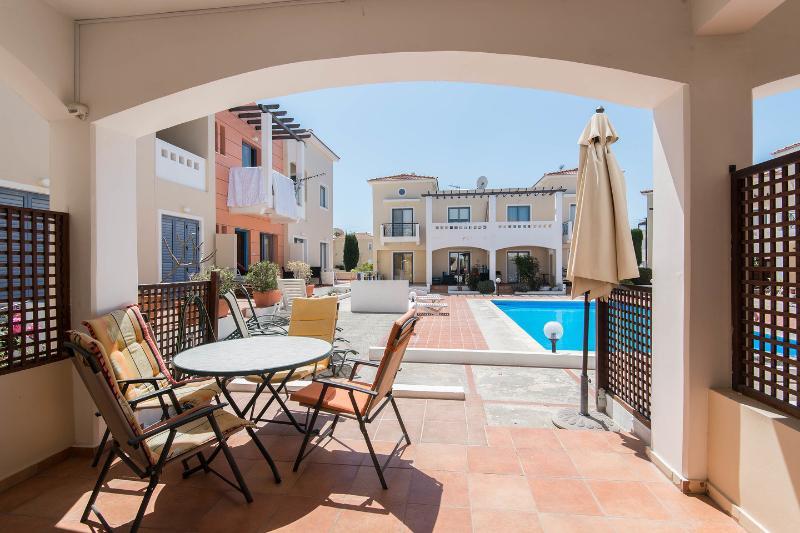 Terrace: Enjoy a healthy breakfast on your living room terrace