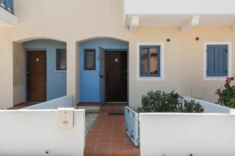 Entrance: Private front garden entrance