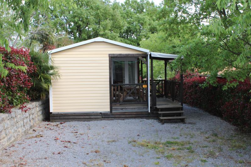Location mobil home climatisés Camping Les Cigales, aluguéis de temporada em Berrias et Castejau