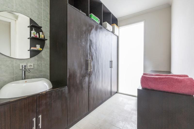 En suit  Bedroom 1.