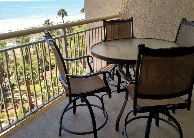 NEW patio Table/Chairs