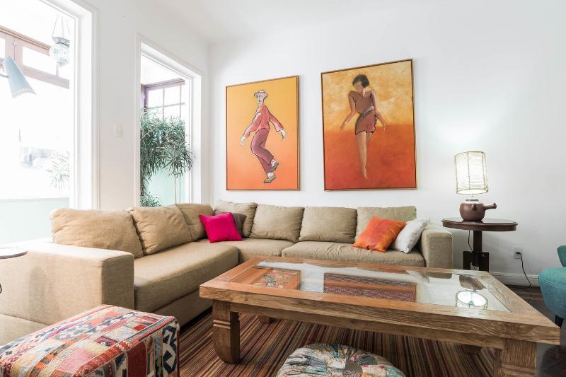 Great 3br apartment 1min walk to Ipanema beach!, alquiler de vacaciones en Río de Janeiro