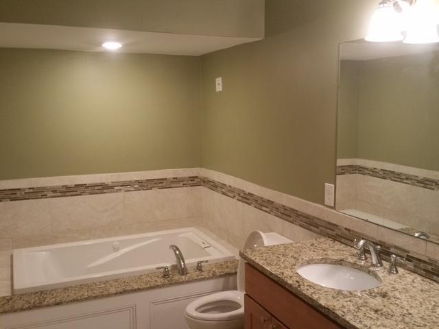 Salle de bain principale.