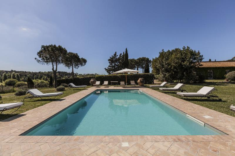 Casale del Gallo - Rome country house - Golf and Swimming pool, Ferienwohnung in Pavona