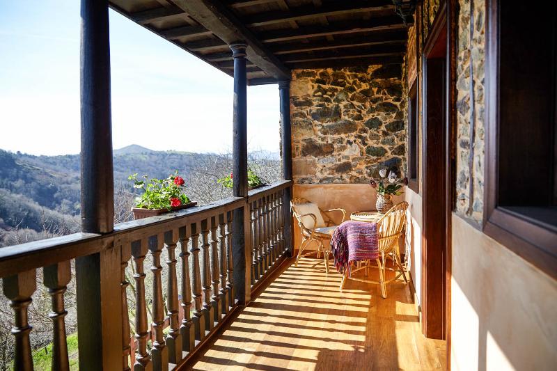 Acogedora casa en cabranes, holiday rental in San Julian