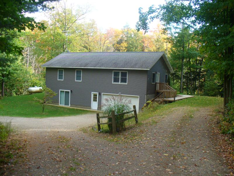 Home near Meinert Park and Flower Creek - private!, holiday rental in Muskegon County