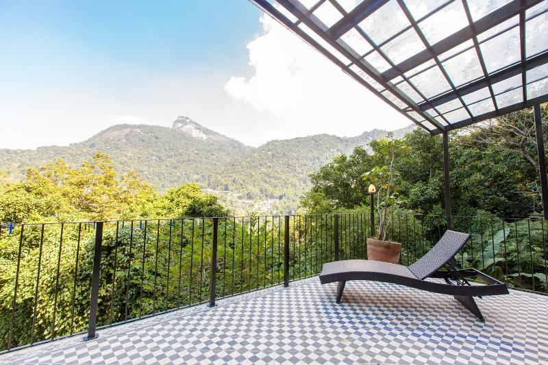 TOP OF THE WORLD in ARTY house SANTA TERESA, holiday rental in Rio de Janeiro