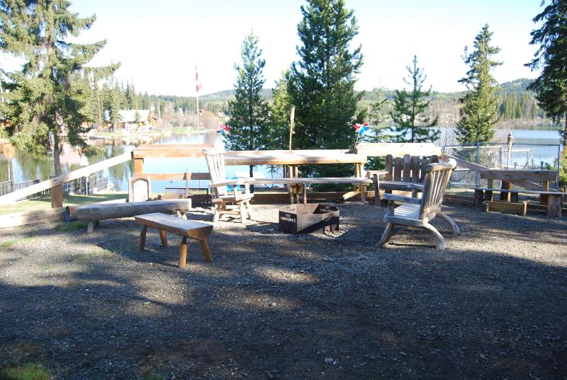 Beautiful lake front home on Deka Lake, vacation rental in Lone Butte