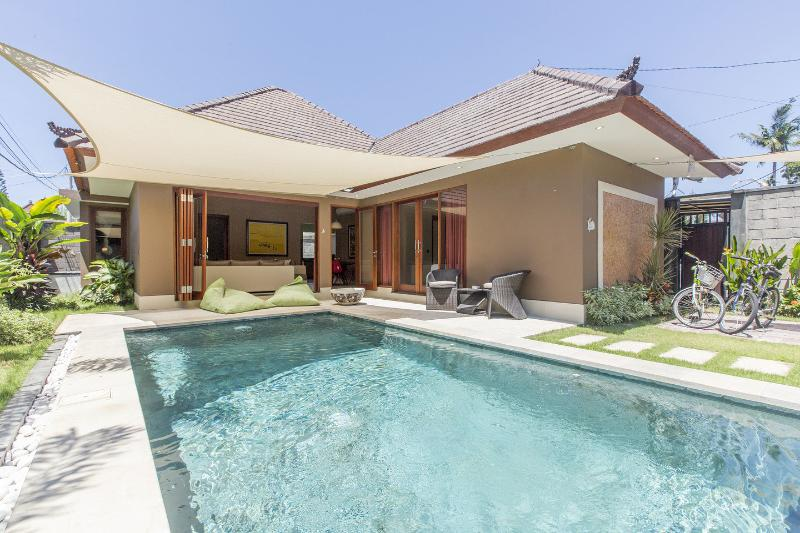 Beautiful 2 bedrooms pool Villa in Sanur, Suka 2., location de vacances à Sanur