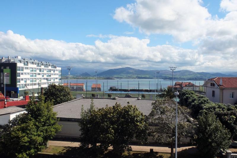 APTO IMPRESIONANTES VISTAS ZONA TRANQUILA, Ferienwohnung in Soto de la Marina
