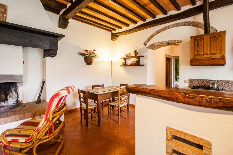 Blackcap apartment ... calm, relax and culture., holiday rental in Dicomano