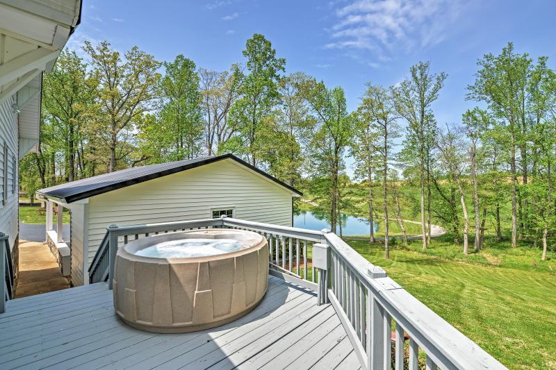 Wraparound Porch | Private Hot Tub