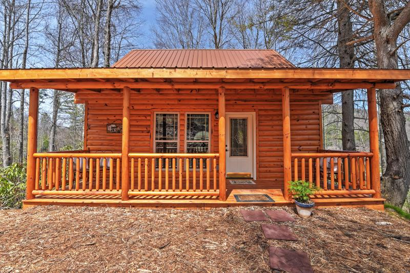 Welcome to this lovely Roan Mountain vacation rental!