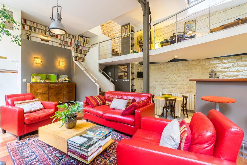 Maison loft 150m2 pour 6 personnes la campagne, vacation rental in Aubervilliers