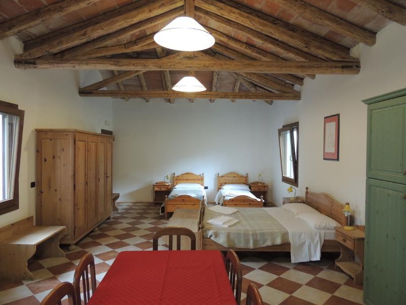 Studio apartment in a country cottage., location de vacances à Ceggia