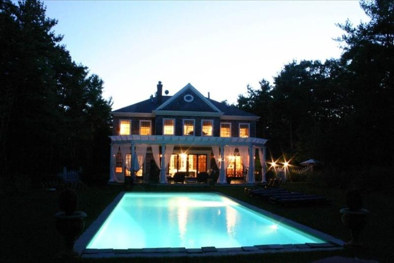 Live in Luxury in This English Manor Home., alquiler vacacional en Wainscott