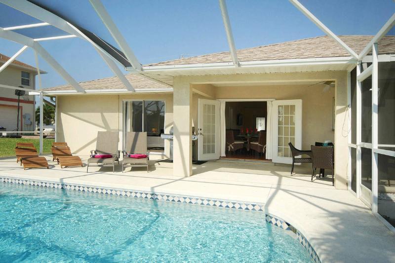 Villa Siesta Shanty - Pool Area