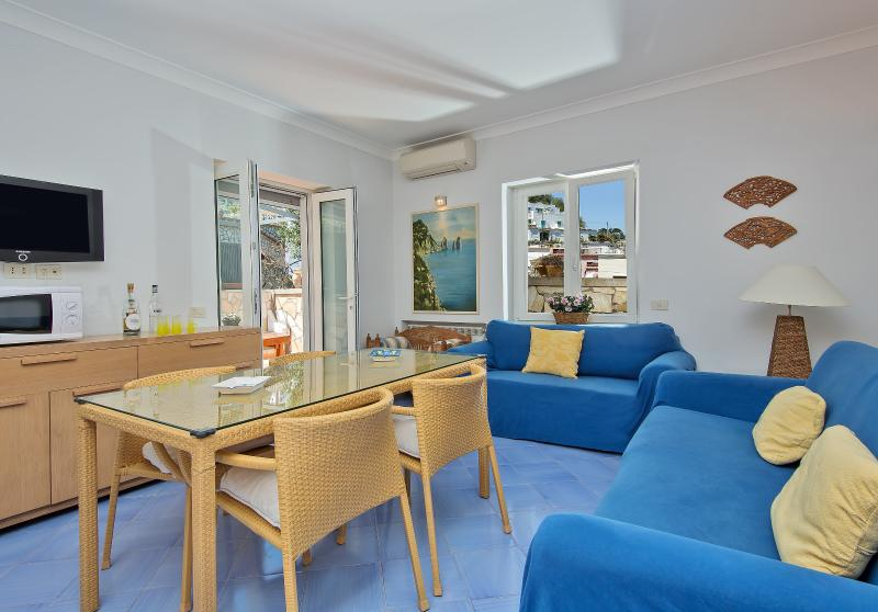 Charming apartment in Capri, location de vacances à Capri