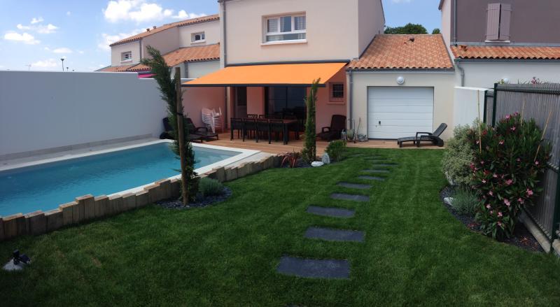 La Maison de Pomone avec sa piscine chauffée, vacation rental in Chenac-Saint-Seurin-d'Uzet