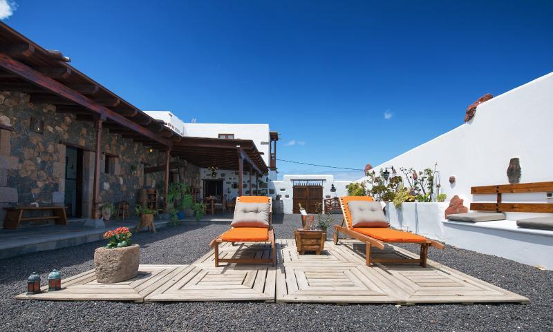 Casa Emblemática Garaday Lanzarote., holiday rental in Tinajo