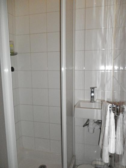 Shower and WC
