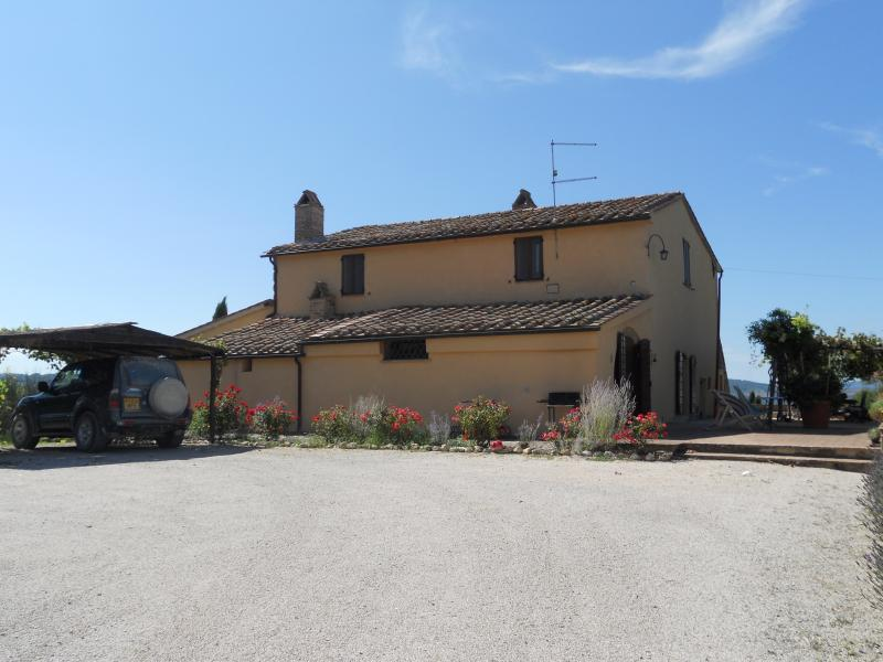 Old farmhouse in the Val d'Orcia, vacation rental in Sarteano