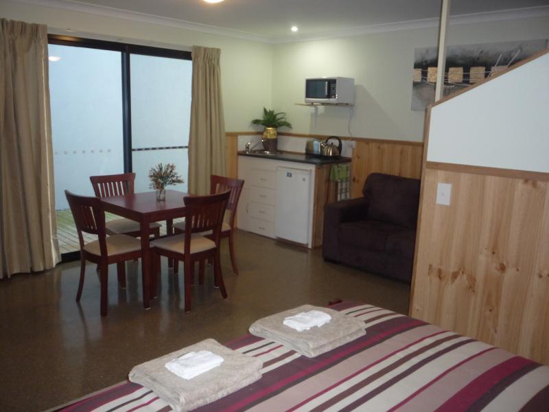 Two-bedroom unit with kitchenette - bar-size fridge/freezer; microwave; toaster; kettle;crockery etc