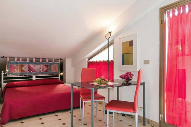 MANSARDA A GIARDINI NAXOS, vacation rental in Trappitello