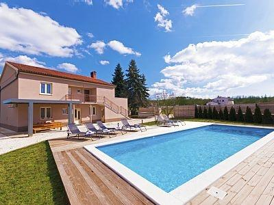 Beautifull Villa Lavanda with private pool, holiday rental in Zabrezani