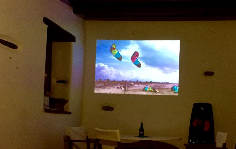 LED projector for your kite movies or european TV channels