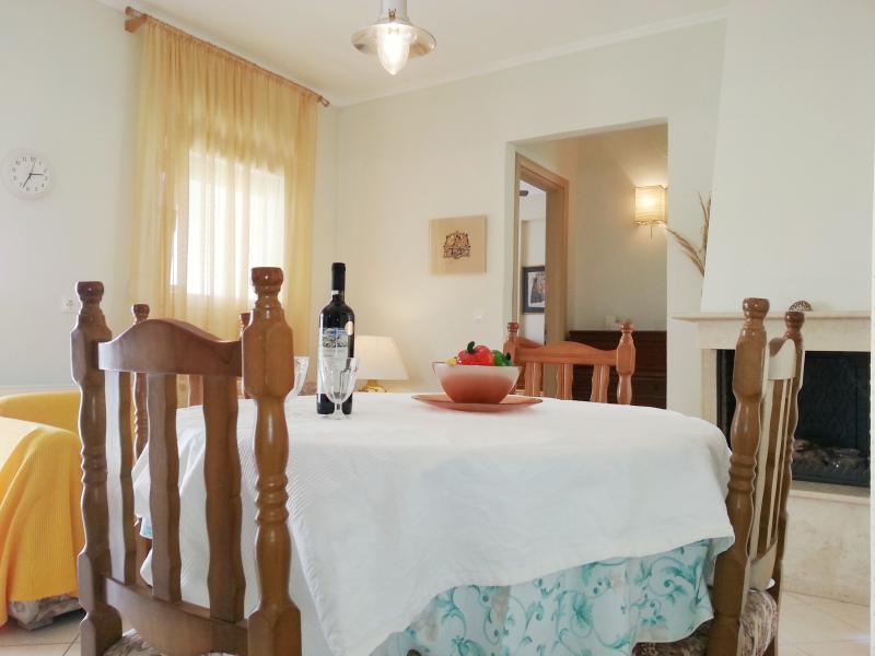 Casa Mameli Penthouse- Ioli, holiday rental in Kallithea