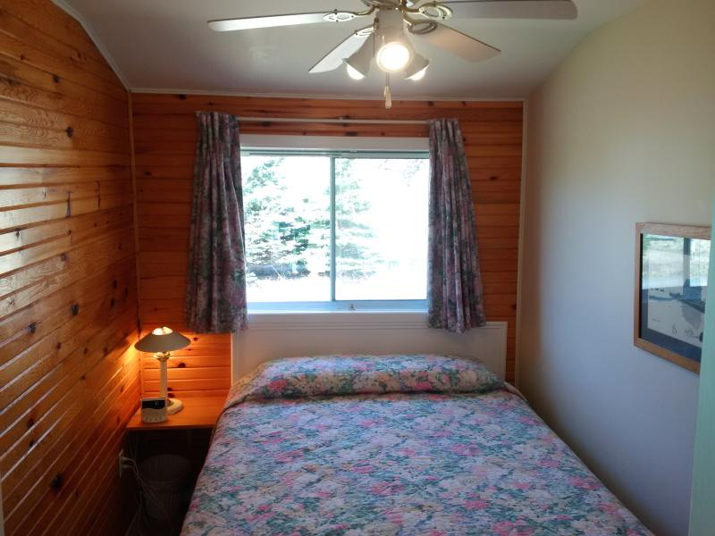 3 bedroom-queen bed