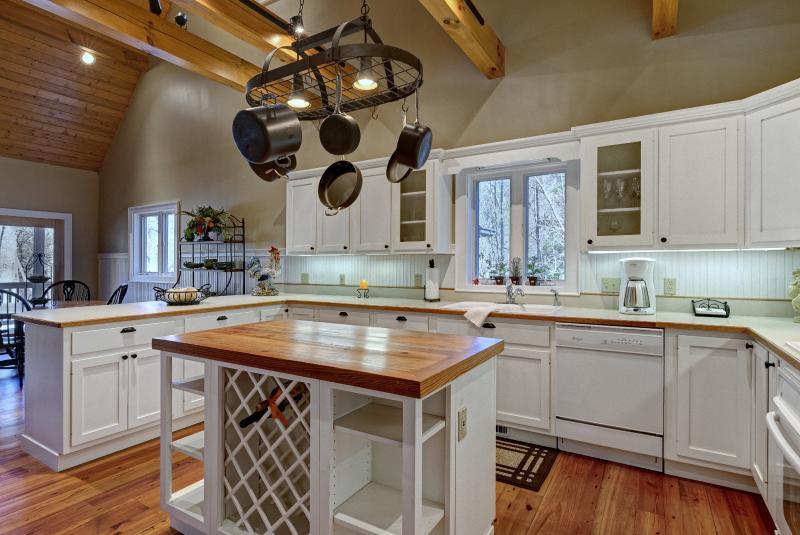 La cocina tiene todo lo que un cocinero gourmet deseará!